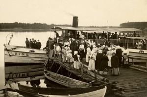 Jokilaiva Laine, jonka potkuriin kolautettiin vuonna 1925 päätös pitää urheiluseuran perustava kokous Oulunsuussa.