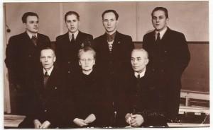 Johtokunta 1949. Seisomassa-vasemmalta-Veikko-Kela-Veikko-Soini-Niilo-Rämet-Väinö-Soini.-Istumassa-Eetu-Sirviö-Aino-Viitanen-ja-Bernhard-Närhi